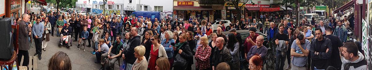 Bizim Kiez Versammlung vom 10. Juni (mehr Fotos bei Klick aufs Bild)