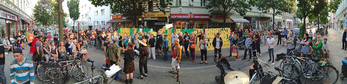 """Die Aktion """"Da b(r)aut sich was zusammen"""" zum einjährigen Bestehen von Bizim Kiez"""