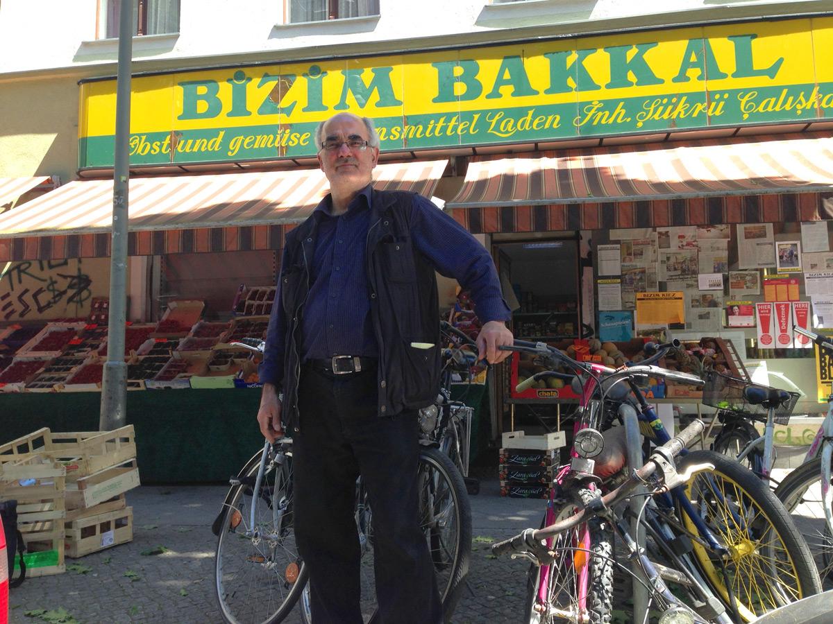 Ahmet Çalışkan am 2. Juli vor seinem Laden Bizim Bakkal