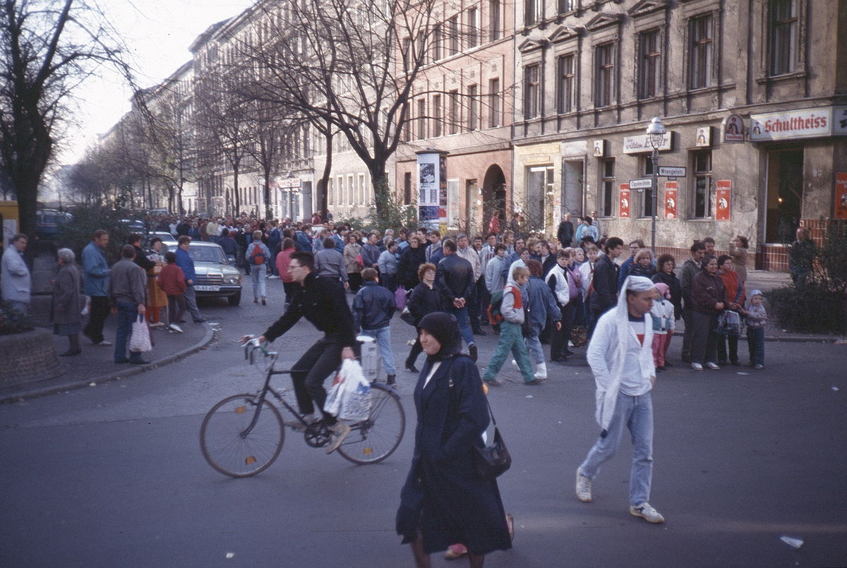 Berlin: Oppelner Str. Nov. 89 nach der Maueröffnung