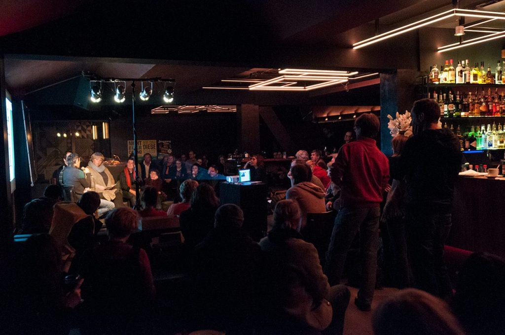 Bizim Kiez Veranstaltung 13.12.2016 im Watergate: 'Der Spekulantius Taliesin - Verdrängung nach Rezept' Zwei Mieter aus einem Taliesin Haus berichten über ihre Situation.